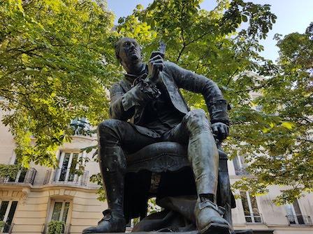 Standbeeld Diderot